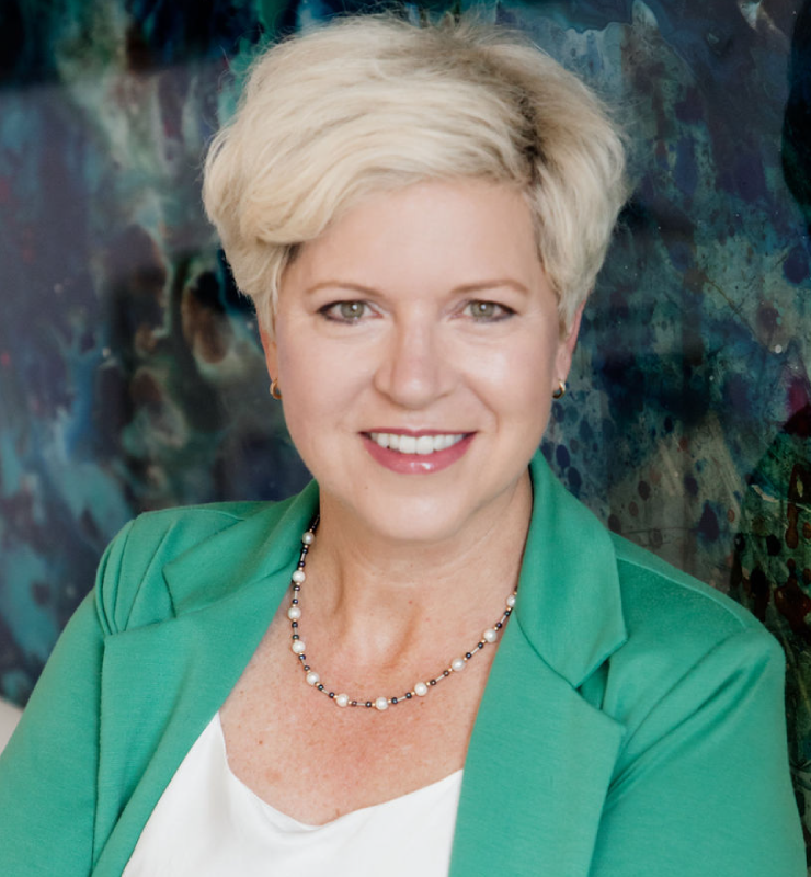Kristin-Dennewill-Headshot-2021-1